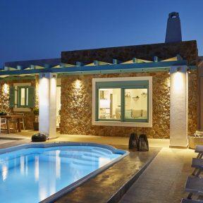 5* Almyriki Beach Villa – Σαντορίνη